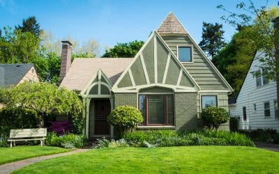 Pros and Cons of Buying an Older Home